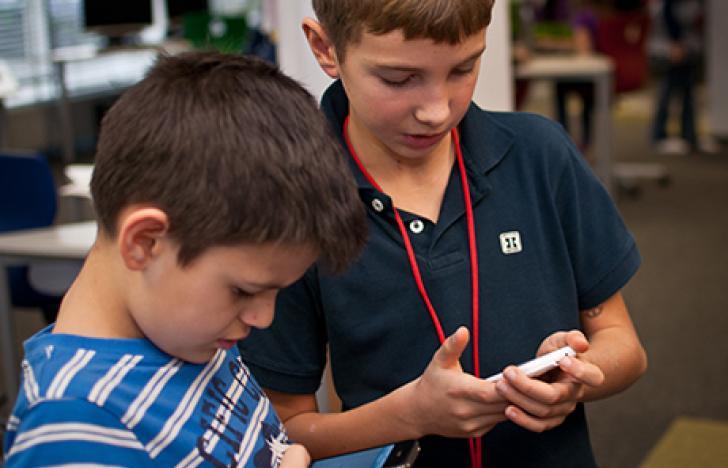 Digitaler Familienalltag im Volksschulalter